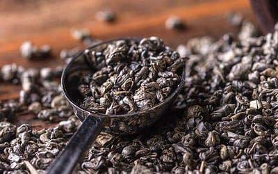 Den kinesiske te-rejse gennem opdagelse, introduktion og vækst